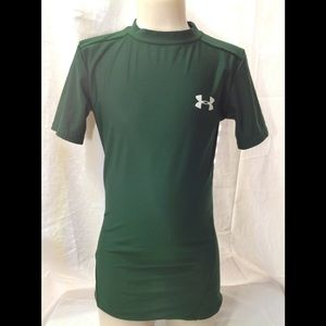 Boy's size XS UNDER ARMOUR fitted tee